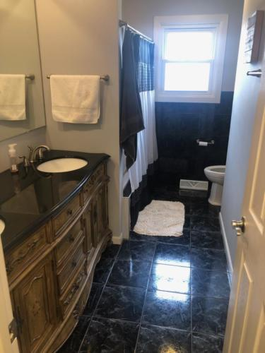 bathroom35 (1) (1) (1)